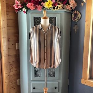 FREE PEOPLE Top  BRAND NEW w/Tags Attached.